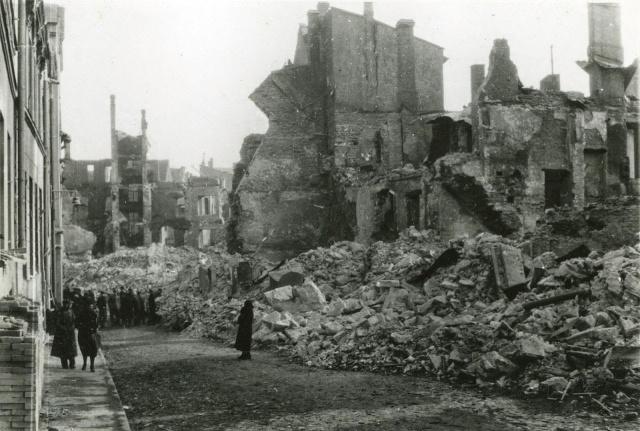Последствия бомбардировки Таллинна.